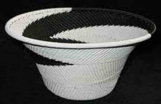 Medium African Zulu Telephone Wire Basket/Bowl - Restful Black/White Swirl