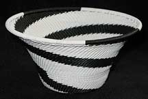 Medium African Zulu Telephone Wire Basket/Bowl - Knitted Black/White Swirl