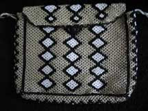 African Zulu Hand Beaded Purse (p10)